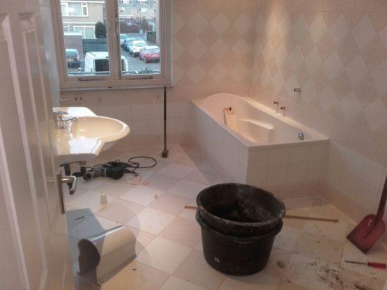 badkamer slopen en afvoeren