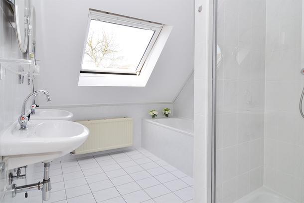 Badkamer slopen en tapijt verwijderen – Sloopbedrijf Kalker